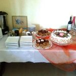 Przyjęcie w hoteliku Gwardia tort szampan i ciastka