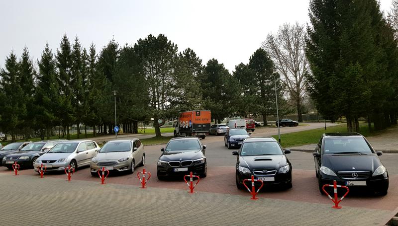 parking przed hotelikiem gwardia