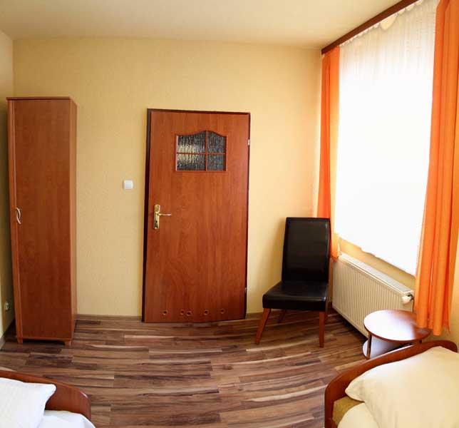 Pokój dwuosobowy hotelik Gwardia Koszalin